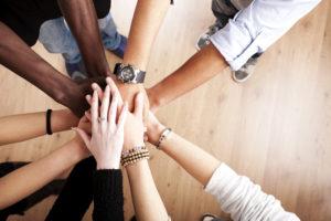 optgroup-with-hands-together-000014186302_xxxlarge